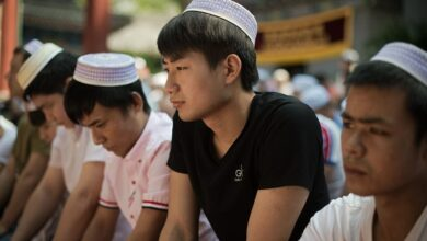 Photo of Malaysian minister criticised for Uighur camp visit