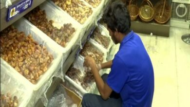 Photo of Hyderabad: Large varieties of dates flood market as demand surges during Ramzan
