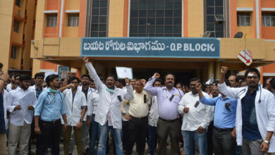Photo of Hyderabad: Doctors go on hunger strike, press for abolishing 'contract' recruitment's