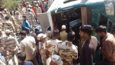 Photo of J-K: 14 injured after bus overturns, ITBP officers come to rescue