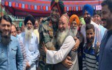 Srinagar: Chinar Corps Commander Lt Gen Dhillon participates in Eid Milan