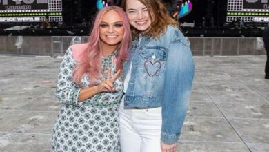 Photo of Emma Stone meets her music idol Emily Bunton