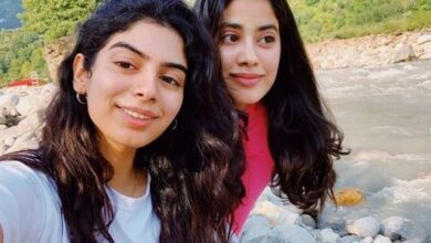 Photo of Janhvi Kapoor 'spends quality time' with sister Khushi, girl gang