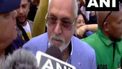 Photo of Crowd shouts 'Chor hai' as Vijay Mallya leaves The Oval after match, video goes viral