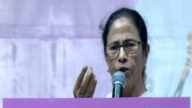 Photo of Doctors' strike: Kolkata Mayor's daughter 'ashamed' at Mamata's inaction