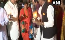 MP: Pragya Thakur, BJP workers protest against recurrent power cuts in state