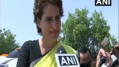 Photo of Priyanka Gandhi to visit UP for first time after Congress' poll debacle