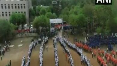 Photo of Pune: Saplings distributed among 20,000 students at SPPU, attempt to set Guinness World Record