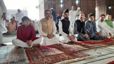 Photo of Eid celebrations: Pak Foreign Secy, acting High Commissioner to India offer prayers at Jama Masjid