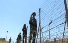 J-K: BSF jawans secure borders amid heat wave conditions