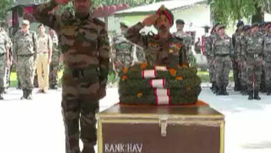 Photo of J-K: Indian Army pays tribute to slain jawans in Srinagar