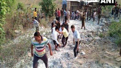 Photo of Jharkhand: 6 dead, 43 injured as bus falls into gorge in Garhwa