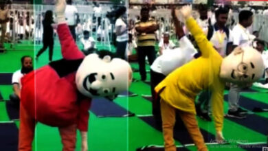 Photo of Iconic cartoon characters Motu and Patlu performs yoga with Modi