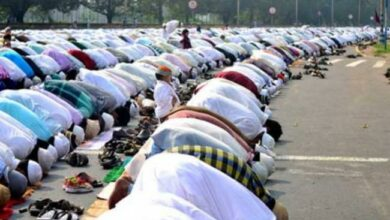 Photo of 17 injured in Delhi as car rams into people offering namaaz