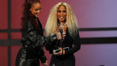 Photo of BET Awards 2019: Rihanna presents Mary J. Blige with Lifetime Achievement Award