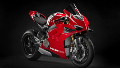 Photo of 2 Ducati Panigale V4 R models booked in India @ INR 51,80,000