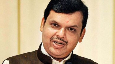 Photo of Rs 101 birthday gift moves CM Fadnavis to tears