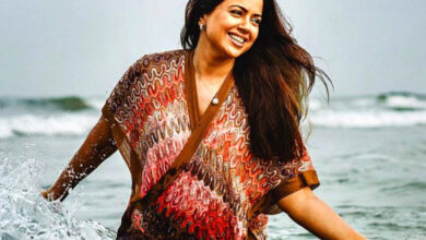 Photo of Sameera Reddy flaunts baby bump in underwater photoshoot