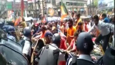 Photo of Clashes break out between BJP, TMC workers in Asansol