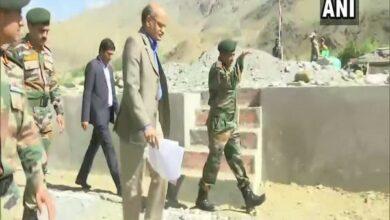 Photo of J&K Chief Secretary BVR Subrahmanyam visits Kargil War Memorial