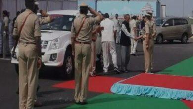 Photo of Governor ESL Narasimhan reaches Vijaywada