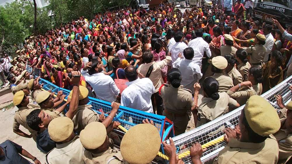 Aanganwadi teachers protest infront of District Collector office in Hyderabad