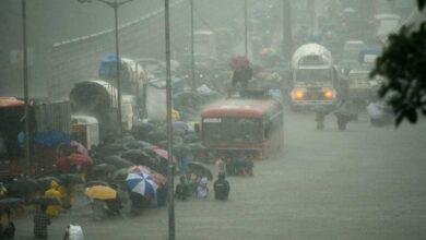 Photo of Heavy rain hits flights, Mumbai on red alert