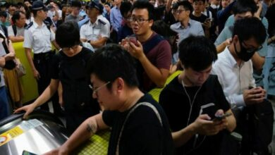 Photo of Chaos in Hong Kong as protesters disrupt metro services