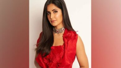 Photo of Vicky, Katrina spark off rumours at Diwali party