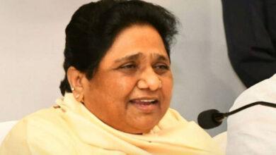 Photo of Mayawati accuses BJP of shielding 'gang-rape' accused