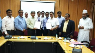 Photo of MANUU signs MoU with Maxcure Hospitals