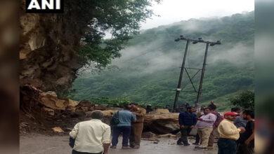 Photo of Himachal: NH 3 blocked near Mandi due to landslide
