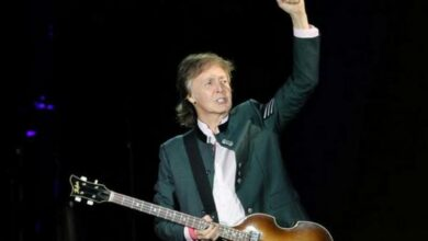 Photo of Paul McCartney, Ringo Starr reunite onstage in Los Angeles