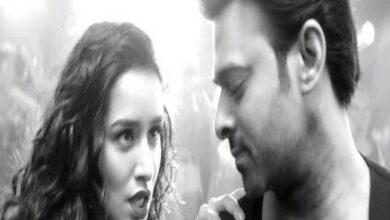 Photo of Shraddha and Prabhas strike sizzling chemistry in 'Psycho Saiyaan' from 'Saaho'