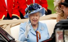 "Queen Elizabeth to ""give up her powers"" to Prince Charles in two years"