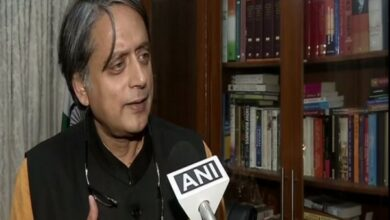 Photo of Shashi Tharoor in trouble on praising Modi