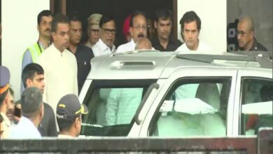 Photo of Rahul Gandhi arrives in Mumbai, will appear before court today in RSS defamation case