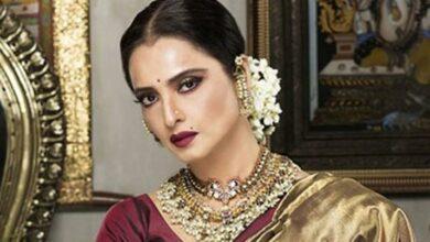 Photo of Actress Rekha blesses 'Malaal' star Sharmin Segal
