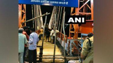 Photo of Rishikesh's Lakshman Jhula shut for vehicles