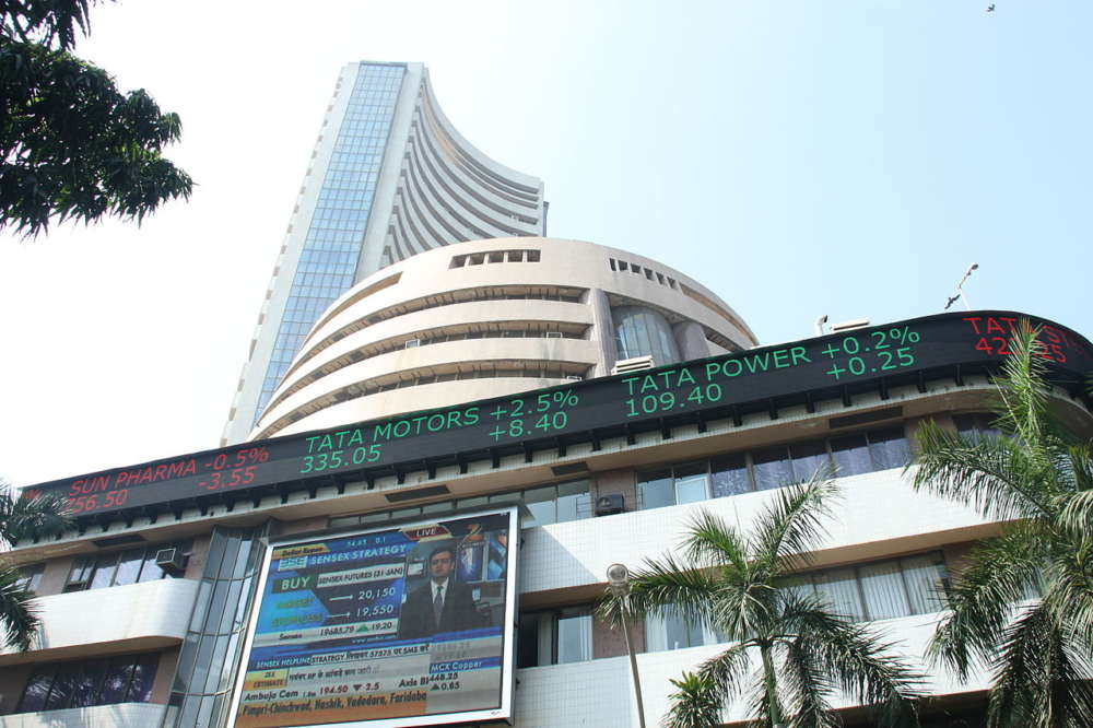 Equity indices close at 2-month low, auto stock suffer amid grow