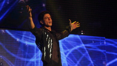 Photo of SRK to Andie MacDowell: Have loved you since I was 26