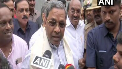 Photo of Karnataka crisis: Senior Cong leader blames Siddaramaiah, calls him 'thief inside party'