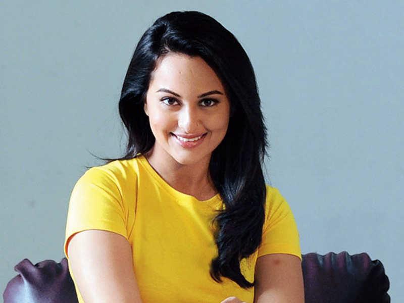 My parents want me to date 'susheel ladka': Sonakshi