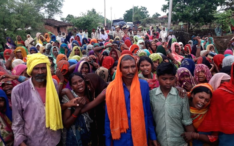 Sonebhadra carnage: 200 men on 32 tractors fired for an hour