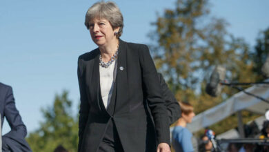 Photo of May grooves to Abba's 'Dancing Queen' at black-tie event