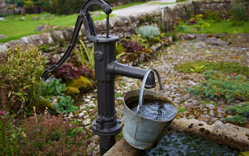 Water-Hand-Pump
