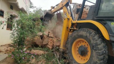 Photo of 11 buildings in Charminar zone razed, drive to continue