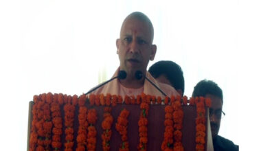 Photo of UP CM Yogi honours families of martyrs on Kargil Vijay Diwas