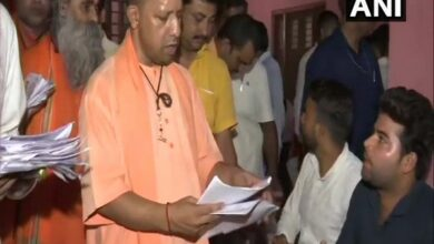Photo of UP: Adityanath holds Janata Darbar at Gorakhnath temple to address people's grievances