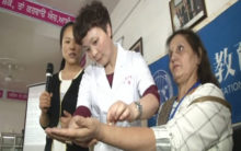 Chinese experts share acupuncture tips with Indian counterparts